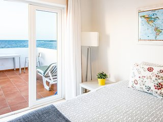 LA SANTA 5 Frontline apartment amazing sea views