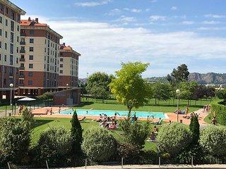 Apartamento con piscina exterior, gimnasio y spa cerca de Santander