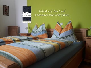 Gemutliche Ferienwohnung mit 2 Schlafraumen und top ausgestatteter Kuchenzeile.