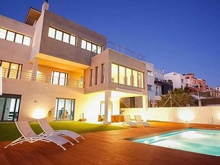 Exclusive holyday lodge in granada