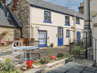 THE COMPASS, open-plan, WiFi, in Swanage