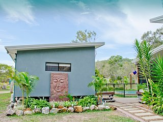The Zen Den Bed and Breakfast. Private rooms.3, holiday rental in Deepwater