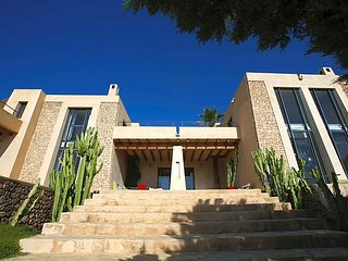 Es Cubells Villa Sleeps 7 with Pool and Air Con - 5669348