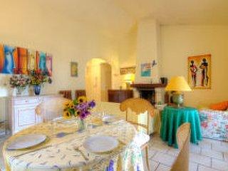 3 bedroom Villa in Sainte-Maxime, Provence-Alpes-Côte d'Azur, France : ref 56222