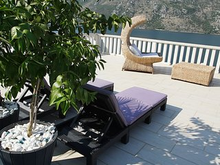 Penthouse Stoliv Up to 9 beds 5m to the sea Jetty/Pier/Beach Terrace 100m2