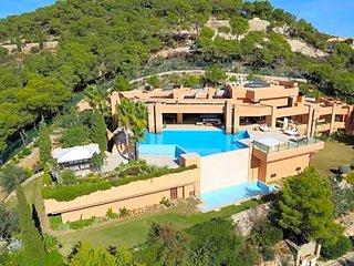 5 bedroom Villa in Playa de Talamanca, Balearic Islands, Spain - 5669373