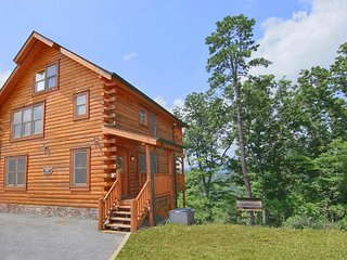 New Listing in Pigeon Forge area!  Beautiful views and  incredible amenities!!!!