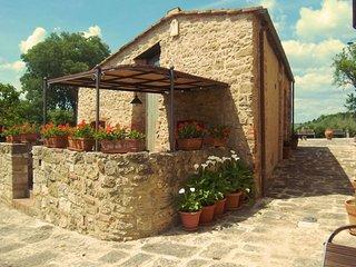 2 bedroom Villa in Asciano, Tuscany, Italy : ref 5239778