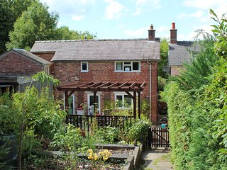 Bickley Cottage in Beautiful Wales ~ Nr Town & Countryside