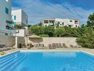 2 bedroom Apartment in Stara Novalja, Licko-Senjska Zupanija, Croatia : ref 5673