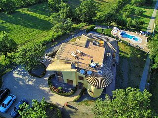 Montefiascone Villa Sleeps 20 with Pool Air Con and WiFi - 5677599