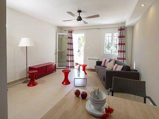 2 bedroom Apartment in Le Brusc, Provence-Alpes-Cote d'Azur, France : ref 567421