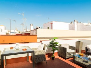 Pelay Correa. 2 bedrooms, private terrace, free parking