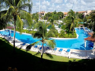 Condo for Sale in Puerto Aventuras for 6 people