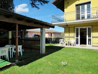 2 bedroom Apartment in Porto Valtravaglia, Lombardy, Italy : ref 5440946
