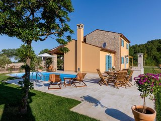 2 bedroom Villa in Vilanija, Istria, Croatia : ref 5636857