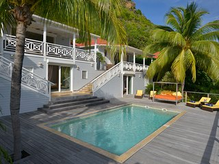 Caribbean Casas: Idyllic Villa Lucy up to 8 guests, with direct access to the be