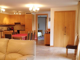 Great view Top floor spacious flat with pool & Gym