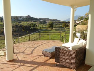 Golf course Front line Amazing big Villa with pool