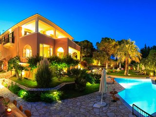 Dream Luxury Villa in Kommeno with pool & garden