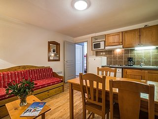 Beautiful and Rustic 1 Bedroom Alcove Apartment Perfect for Families!
