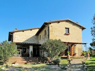 4 bedroom Villa in Montefalconi, Tuscany, Italy : ref 5651025