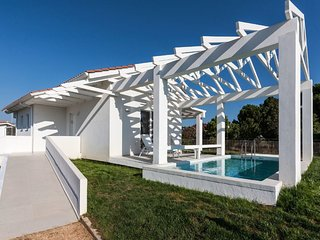 1 bedroom Villa in Agía Marína, West Greece, Greece : ref 5668447