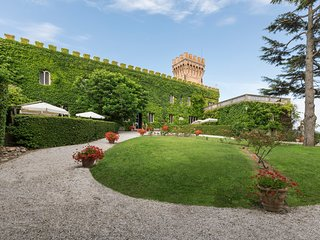 13 bedroom Chateau in Venturina, Tuscany, Italy : ref 5049019