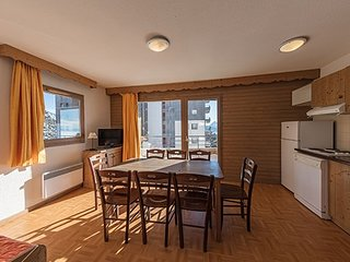 Spacious and Comfortable 2 Bedroom Apartment Perfect for Groups!