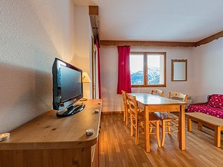 Cute Mountain Apartment for Groups Away from the Usual Tourist Traps