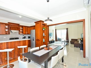 New Penthouse close to the beach and all the activities. Great prices!