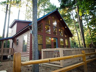 Grandview at River Top Cabins - waterfront with deck & access to Mt. Fork River