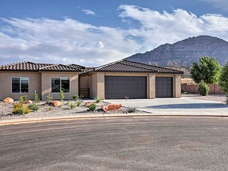 NEW! Modern 'Zion Country Home' w/Mtn Views!