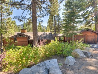 High End Squaw Home, 1 Mile from Resort