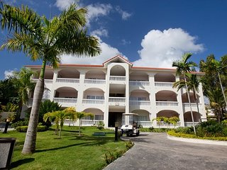 Presidential Suites- 2 bedroom Suites- Accommodates 2-6 people