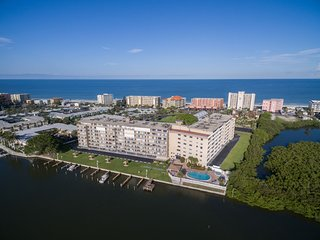 Luxury condo on Inter-coastal waterway across street from Indian Shores beach