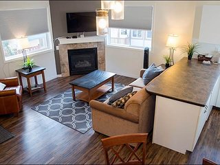 Banff Boundary Lodge - 2 Bedroom Deluxe Upper Suite