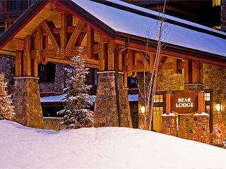 Bear Lodge- Trappeur's Crossing Resort