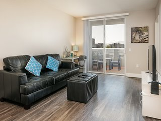 1 Bedroom Corporate Suites in Mid-City Lic644