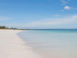 Broadwater Bliss beachfront villa
