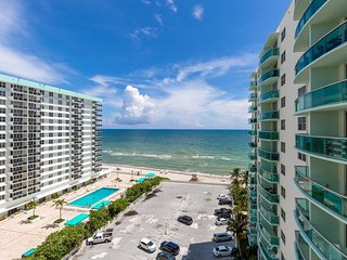 Miami - Hollywood Beach at Tides 11th fl. with direct ocean view for 4 guest!
