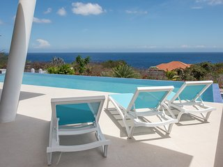 Coral Estate Villa Casa-Bella Ocean View with Pool 2