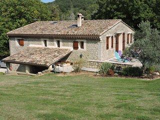Gîte 'La Hugonnette' dans la Vallée de la Drôme