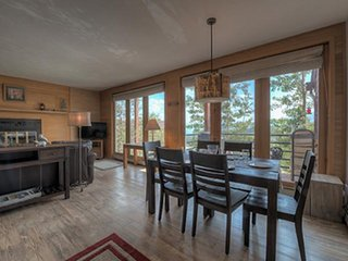 Mountain Views/Log Burning Fireplace-Central to Breckenridge/Keystone/Vail & All