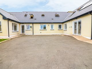 TWELVE OAKS, perfect for families, near Cork City