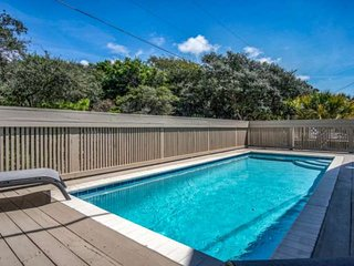 20% off 10/3/18-11/3/18!! Private Pool! Gulf Views! Beautifully updated,only ste
