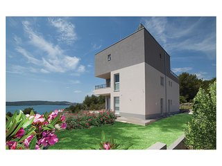 6 bedroom Villa in Čiovo, Splitsko-Dalmatinska Županija, Croatia : ref 5674566