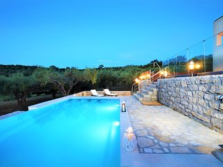Impressive sea view villa on a 1-acre olive grove - disCrete Villa Lappa