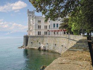 2 bedroom Apartment in Città Vecchia, Friuli Venezia Giulia, Italy : ref 5674691