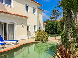 New Listing, Villa With Pool, 5 Min Walk From Lagoon & Beach, Idyllic Location